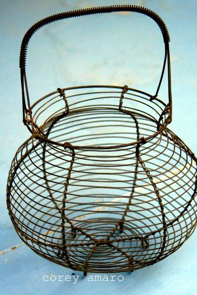 Brocante wire basket