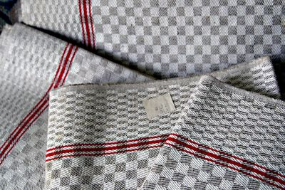 Beige-checked-linens