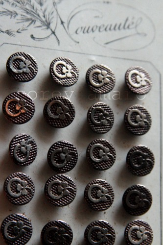 Lucky charm buttons