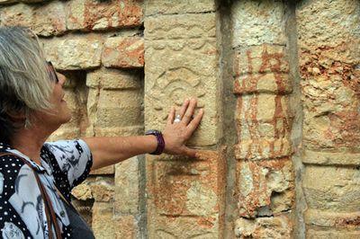 Mayan-ruins-Talking-stones