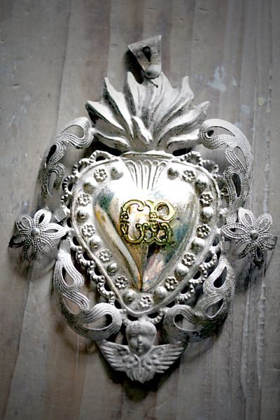 Antique-heart-ex-voto