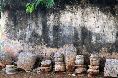 Faces-carved-ruin-maya