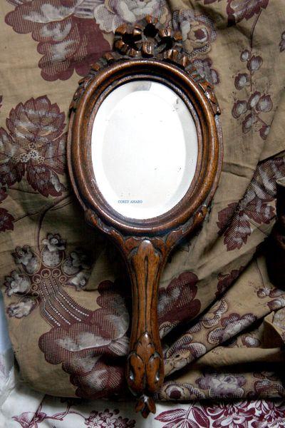 Hand-mirror