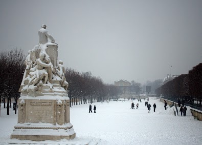 When it snows in Paris, by Chelsea