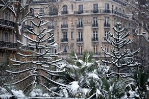 Photo of snow covered Paris, by Chelsea
