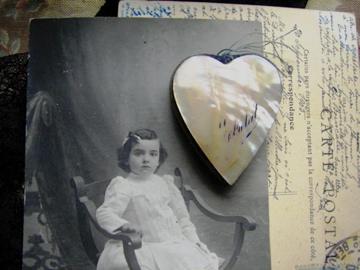 Shell-heart-on-postcard-190