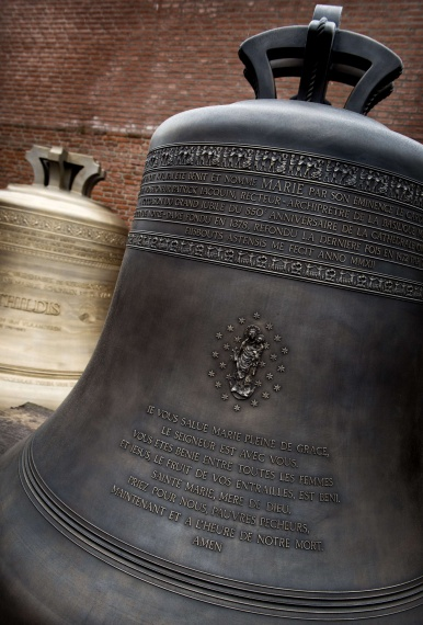 Nine new bells Notre Dame
