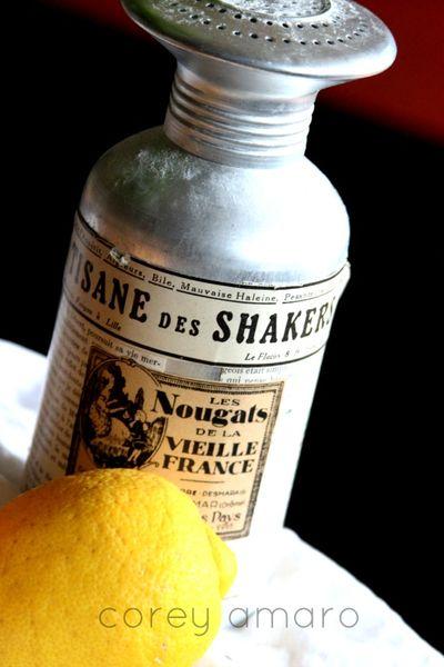 Lemon and powered sugar