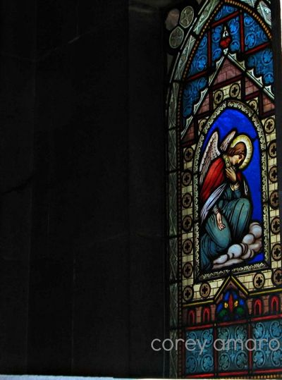 Angel-stain-glass-paris