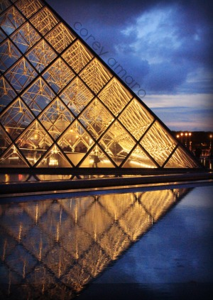 The louvre reflections:evening
