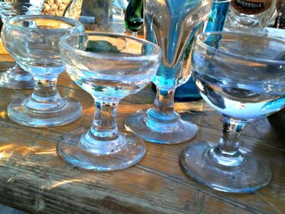 Varied sizes bistro glasses