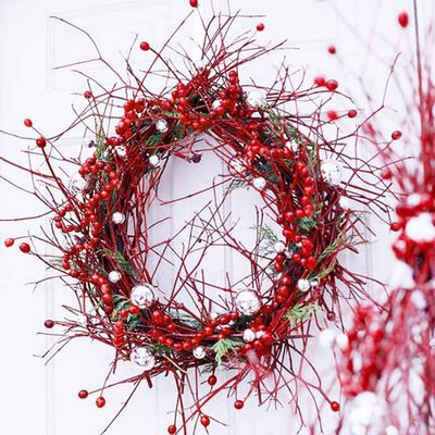 Christmas-wild-berry-wreath1