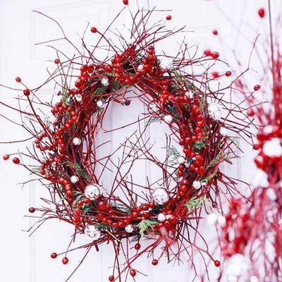 Christmas-wild-berry-wreath1