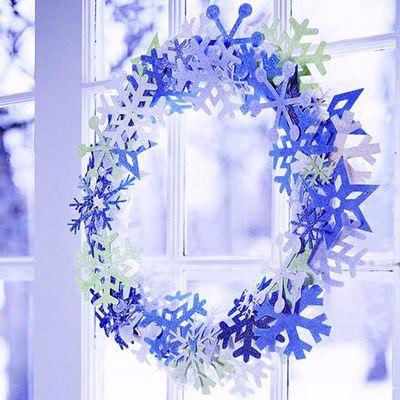 Christmas-paper-snowflake-wreath-idea