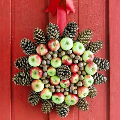 Christmas-wreath-apple-medallion-idea