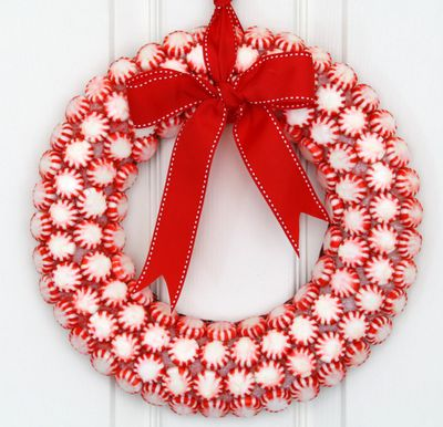 Peppermint-Candy-Christmas-Wreath