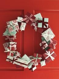 Gift-christmas-wreath