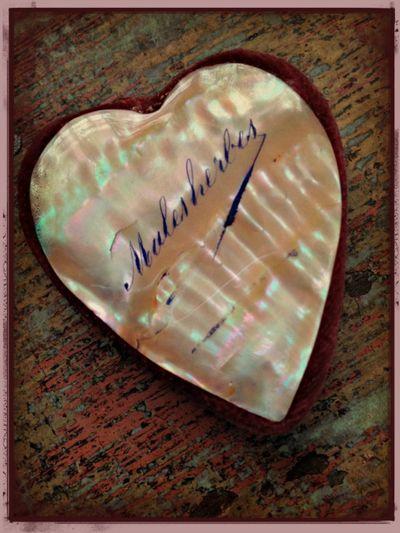 Pin cushion heart