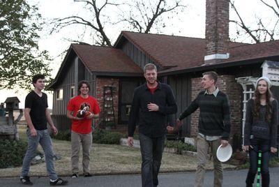 Christmas teens frisbee
