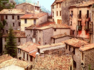 Ocher_Rooftops_Peille_Southern_France