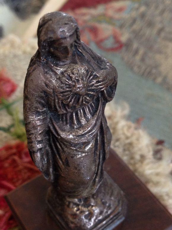 Statuette Sacred Heart
