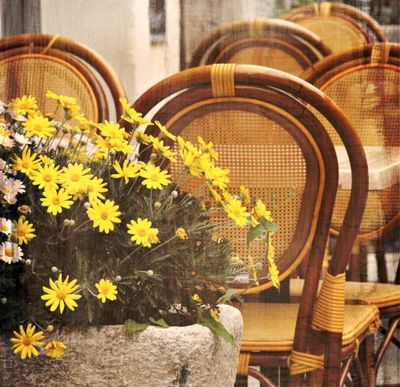 Yellow-bistro-chairs provence
