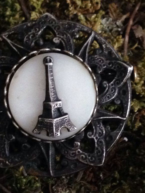 Brocante: Eiffel Tower Pin