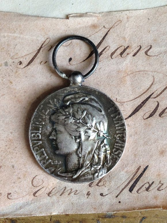 Brocante French Honor Medal