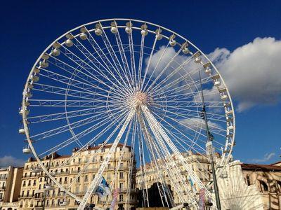 Ferris Wheel ride in Marseille