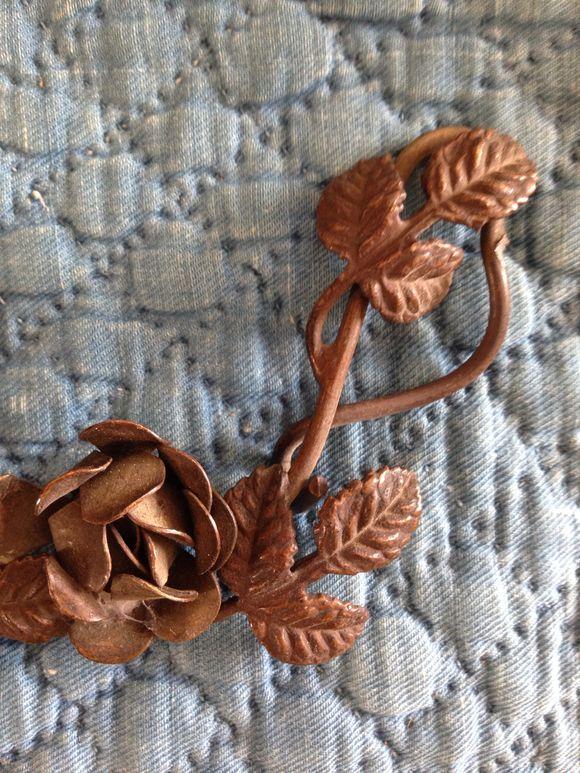 Floral Metal Element