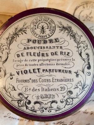 Violet Perfumed Poudre Box