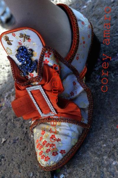 Venetian shoe for the carnival, Venice carnival corey amaro photography