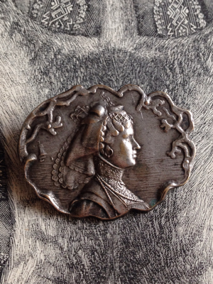 French Pin