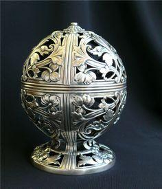 Silver antique thread holder
