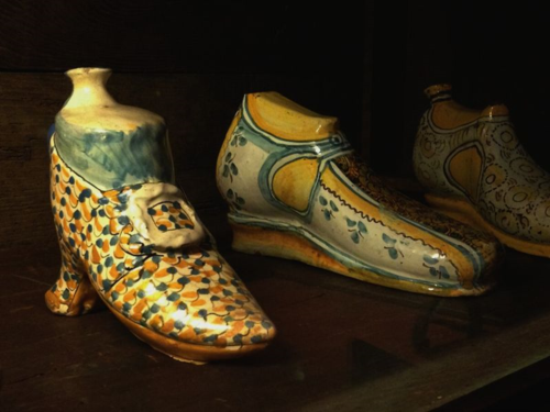 The museum also preserves a very fine collection of old ceramics and the 17th century hand warmers in the shape of shoes.