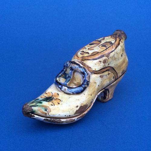 Italian shoe design hand warmer