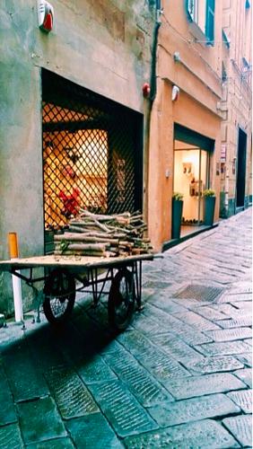 Savona: Vino e Farinata