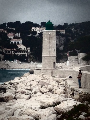 Lighthouse cassis