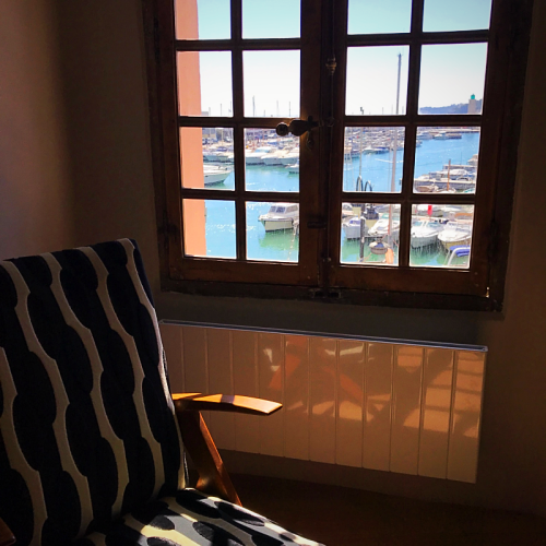 room with a view, cassis