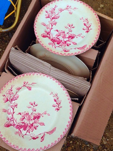 brocante pink dishes