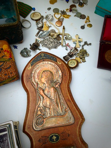 religious items brocante