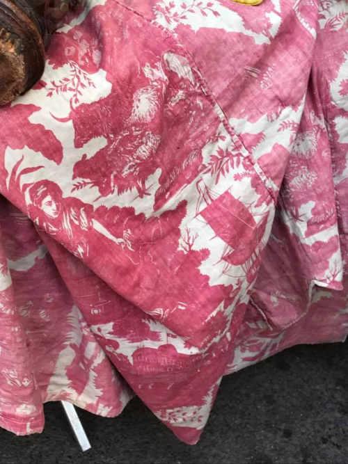 Pink toile jouey