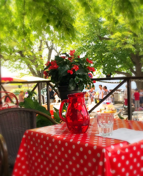 Table in Provence
