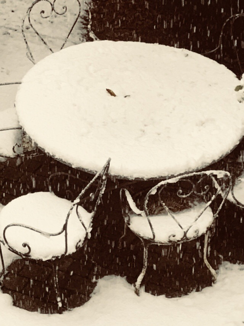 Let it Snow while I Go to the Brocante
