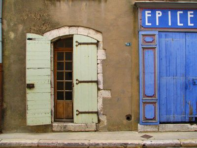 French-Spice-shop-door