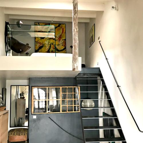 Cassis  modern home  corey amaro