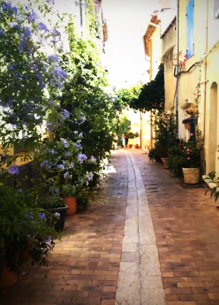 cassis back streets