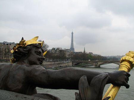 Eiffel_tower_2