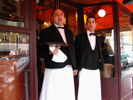 Waiter_at_lipp