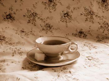 Pink_flower_tea_cup